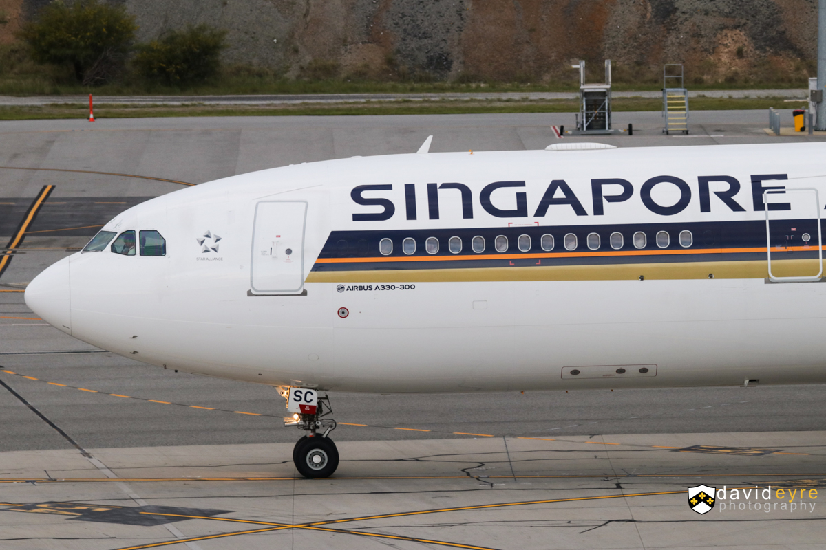 9V-SSC Airbus A330-343X (MSN 1544) of Singapore Airlines, at Perth Airport – 8 September 2017. Flight SQ224 to Singapore, taxying out at 6:47am. Photo © David Eyre