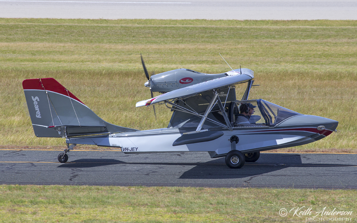 VH-JEY Progressive Aerodyne SeaRey LSX (MSN 1LK585C) at Jandakot Airport – 6 Oct 2017.