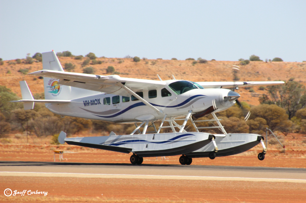 VH-MOX Cessna 208 Caravan (amphibious seaplane) (MSN 20800227) operated by Horizontal Falls Seaplane Adventures / Swan River Seaplanes (West Coast Air Services Pty Ltd/Avanova Pty Ltd), at Meekatharra Airport - 9 October 2017. Landing on runway 09 en route from Broome to Jandakot. The aircraft will spend the summer operating from the Swan River at South Perth, flying to Margaret River and Rottnest. It will return to Broome in March 2018. Photo © Geoff Carberry