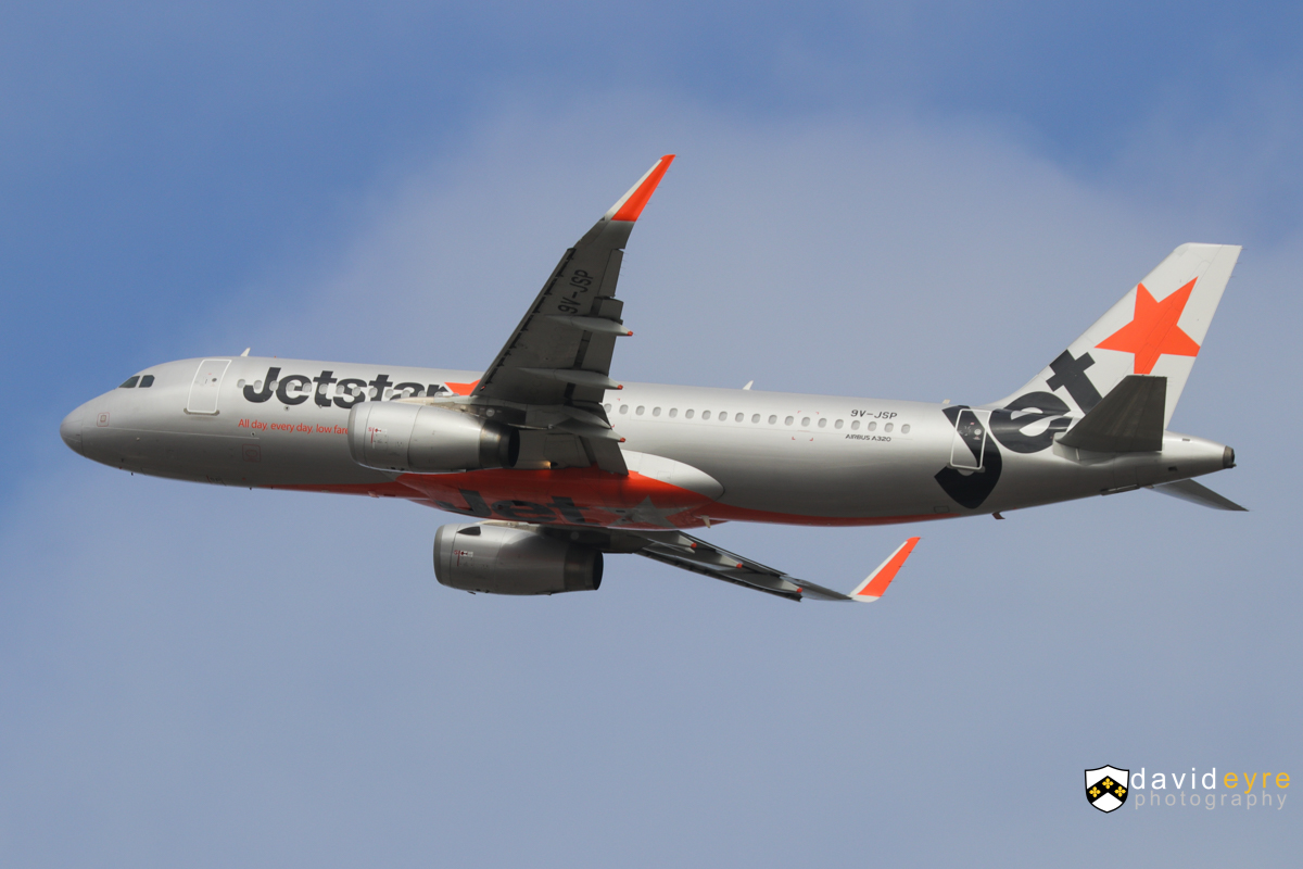 9V-JSP Airbus A320-232 (WL) (MSN 5323) of Jetstar Asia, at Perth Airport - 29 October 2017. Flight 3K134 to Singapore, climbing after take-off from runway 21 at 8:48am. Photo © David Eyre