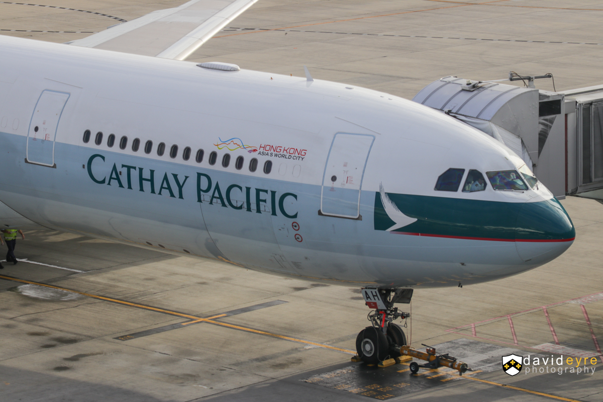 B-LAH Airbus A330-343X (MSN 915) of Cathay Pacific, at Perth Airport - 29 October 2017. Flight CX136 to Hong Kong, being prepared for departure at 6:43am. Photo © David Eyre