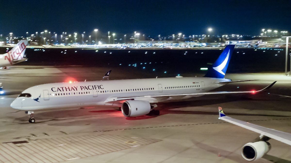 B-LRQ Airbus A350-941 (MSN 109) of Cathay Pacific at Perth Airport - 29 October 2017 Flight CX170 from Hong Kong, taxying in to park at bay 151 at 10:36pm, on the first Cathay Pacific A350 service to Perth. Photo © Caleb Hotz