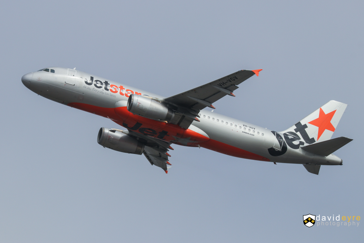 VH-VGV Airbus A320-232 (MSN 4229) of Jetstar, at Perth Airport - 29 October 2017. Flight JQ973 to Melbourne, climbing after take-off from runway 21 at 8:53am. Photo © David Eyre