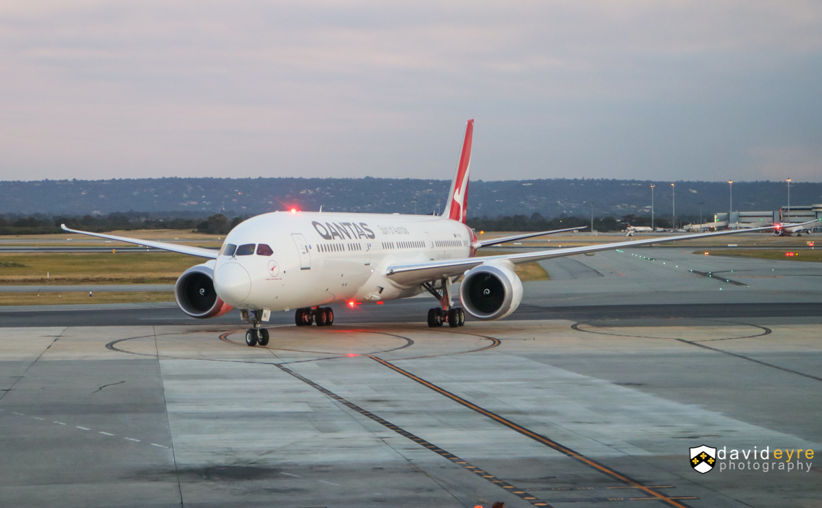 VH-ZNA Boeing 787-9 Dreamliner (MSN 39038/615) of Qantas, named 'Great Southern Land', at Perth Airport – 1 November 2017. ** First visit to Perth by a Qantas Boeing 787-9 and its first revenue service. ** Operating domestic services prior to being used on international routes. Flight QF481 from Melbourne, taxying in to park at Bay 14, Terminal 4, at 6:43pm. Photo © David Eyre