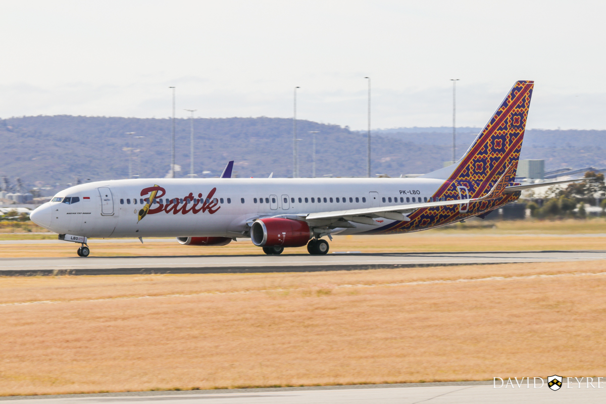 PK-LBO Boeing 737-9GPER (MSN 38731/4463) of Batik Air Indonesia, at Perth Airport - 2 November 2017. Flight ID6008 to Denpasar (Bali), taking off from runway 03 at 8:39am. Photo © David Eyre