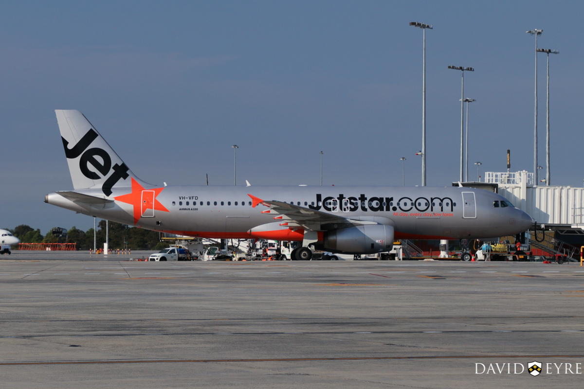 VH-VFD Airbus A320-232 (MSN 4922) of Jetstar, at Perth Airport - 2 November 2017. Parking at Bay 19 at 7.28am, just after arrival from Melbourne as flight JQ972. Photo © David Eyre