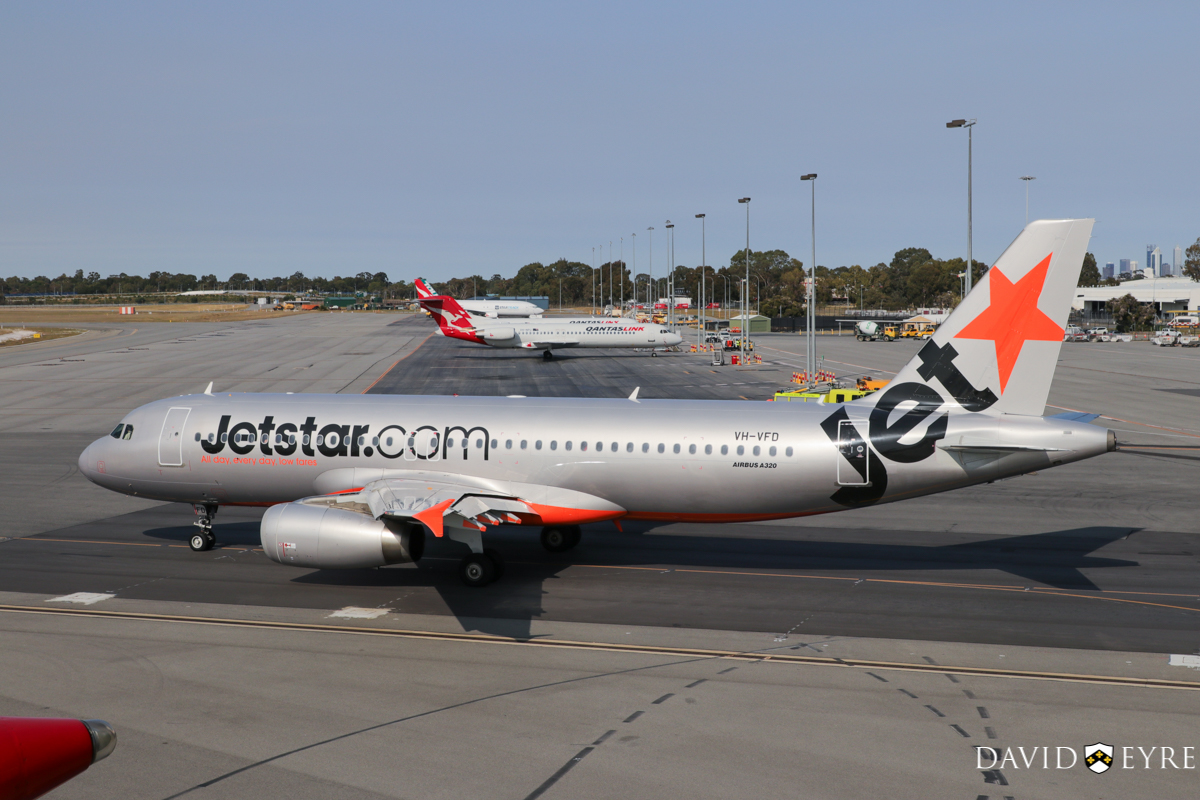 VH-VFD Airbus A320-232 (MSN 4922) of Jetstar, at Perth Airport - 2 November 2017. Taxying out to runway 06 for departure to Melbourne as flight JQ973 at 8:19am. Photo © David Eyre