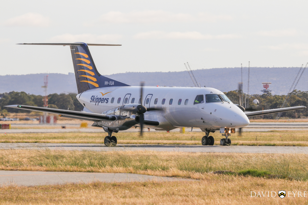 VH-XUA Embraer 120ER Brasilia (MSN 120045) of Skippers Aviation at Perth Airport - 2 November 2017. Taxying out to runway 03 at 7:40am on a flight to Carnarvon. Photo © David Eyre