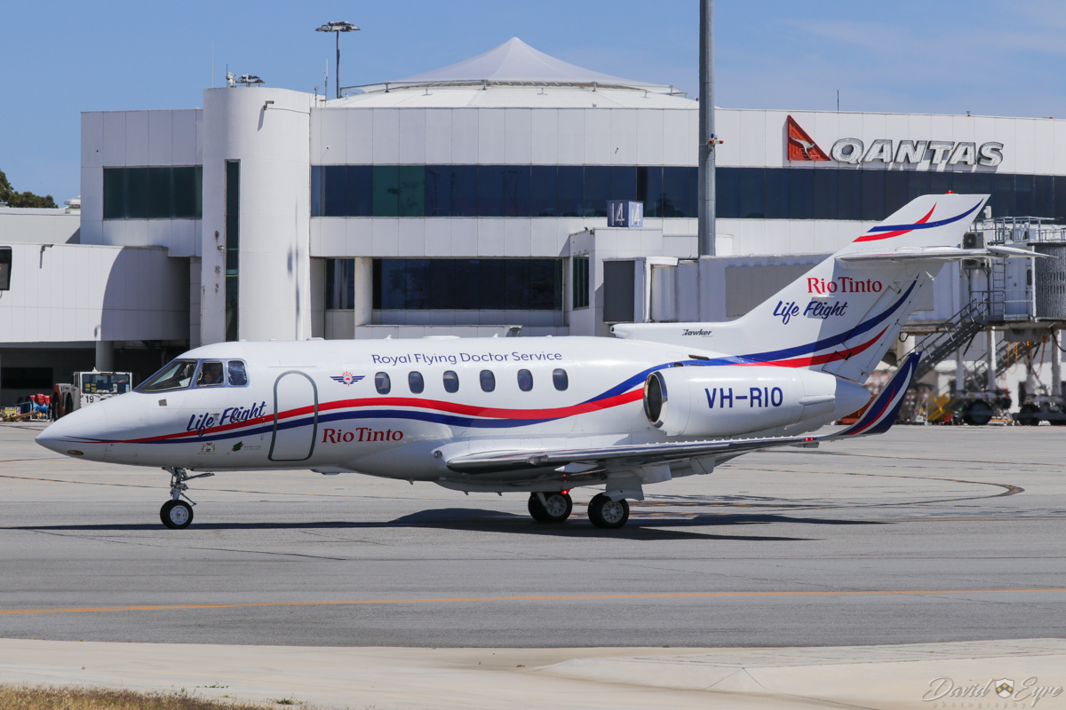 """VH-RIO Hawker 800XP (MSN 258594) of the Royal Flying Doctor Service (RFDS) / """"Rio Tinto Life Flight"""", at Perth Airport – 3 November 2017. Taxying out to runway 03 at 10:14am to depart to RAAF Curtin at Derby, WA. Photo © David Eyre"""