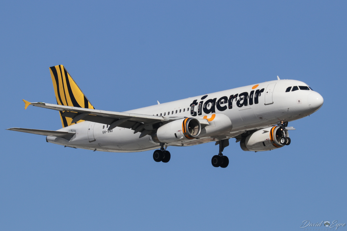 VH-VNO Airbus A320-232 (MSN 4053) of Tigerair Australia, at Perth Airport - 3 November 2017. On final approach to runway 24 at 4:11pm as flight TT413 from Melbourne. Photo © David Eyre