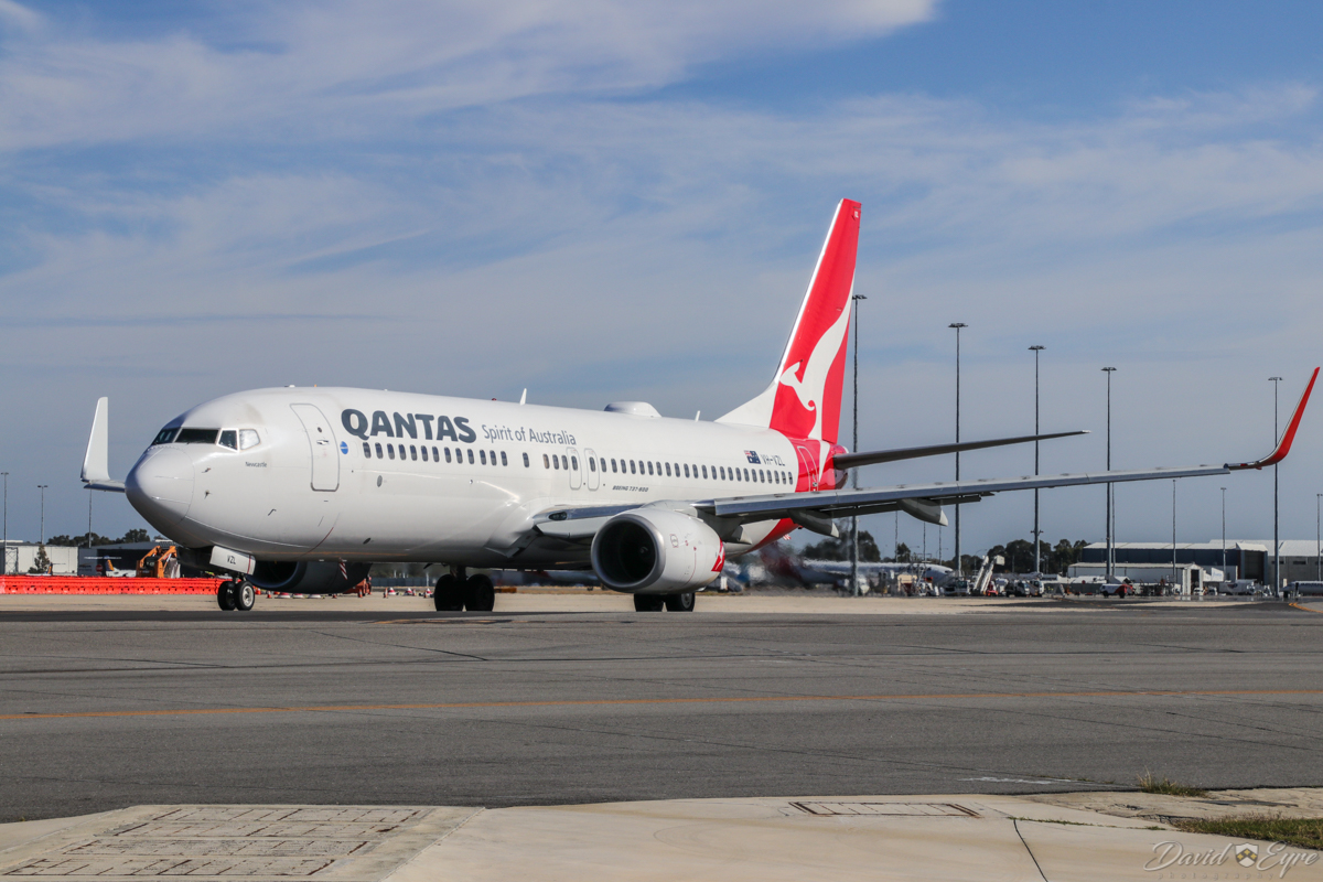 VH-VZL Boeing 737-838 (MSN 34194/3621) of Qantas, named 'Newcastle', at Perth Airport - 3 November 2017. About to taxy out as flight QF668 to Adelaide at 8:03am. Photo © David Eyre