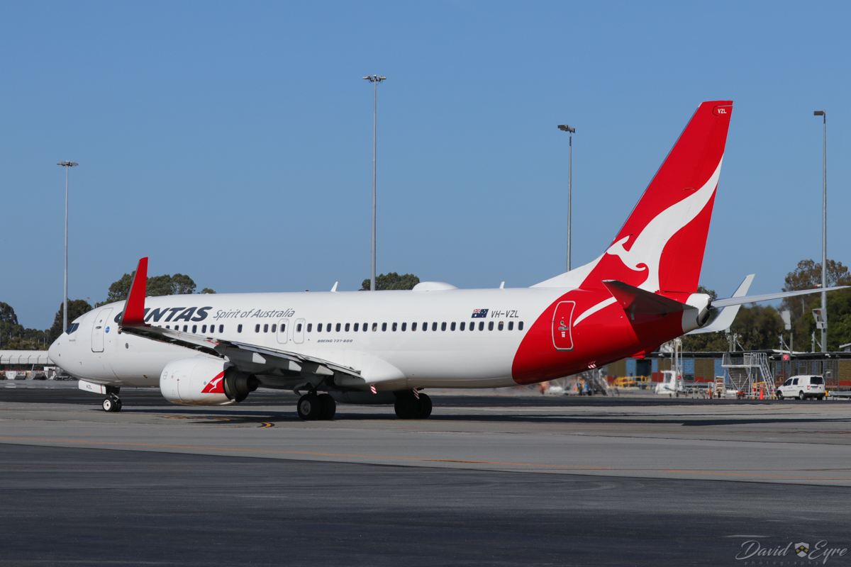 VH-VZL Boeing 737-838 (MSN 34194/3621) of Qantas, named 'Newcastle', at Perth Airport - 3 November 2017. Taxying out as flight QF668 to Adelaide at 8:05am. Photo © David Eyre