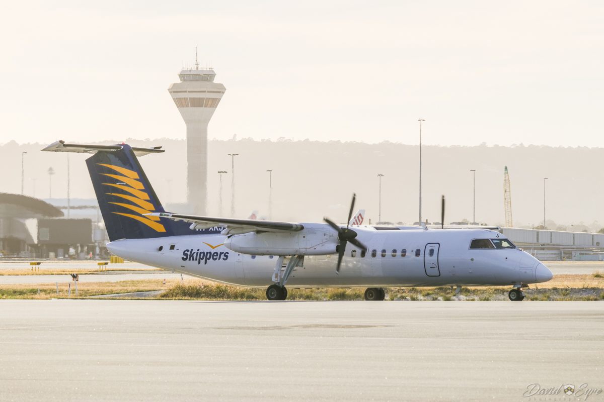 VH-XKJ De Havilland Canada DHC-8-315Q Dash 8 (MSN 588) of Skippers Aviation, at Perth Airport – 3 November 2017. Taxying out to runway 06, to depart on a FIFO flight to Mount Magnet at 6:34am. Photo © David Eyre