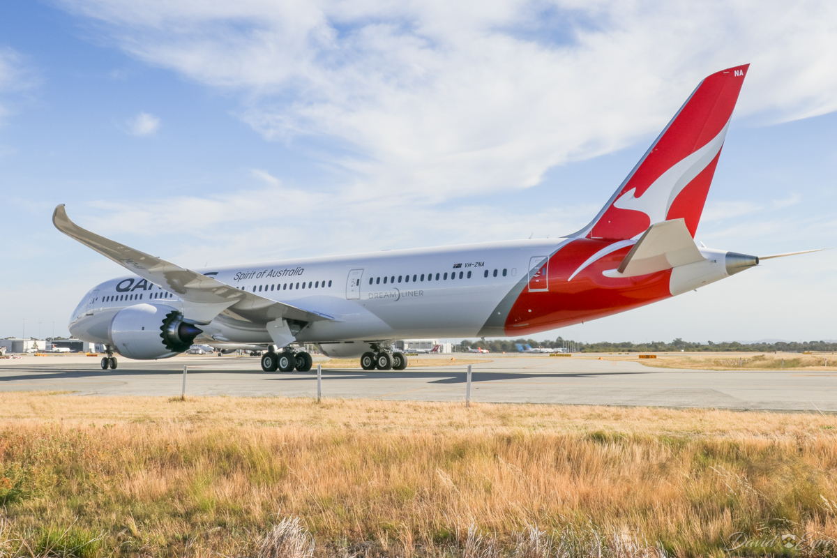 VH-ZNA Boeing 787-9 Dreamliner (MSN 39038/615) of Qantas, named 'Great Southern Land', at Perth Airport - 3 November 2017. Second visit to Perth, operating domestic sectors for crew familiarisation. Flight QF775 from Melbourne, taxying in on taxiway D1 after landing on runway 03 at 8:07am. Photo © David Eyre