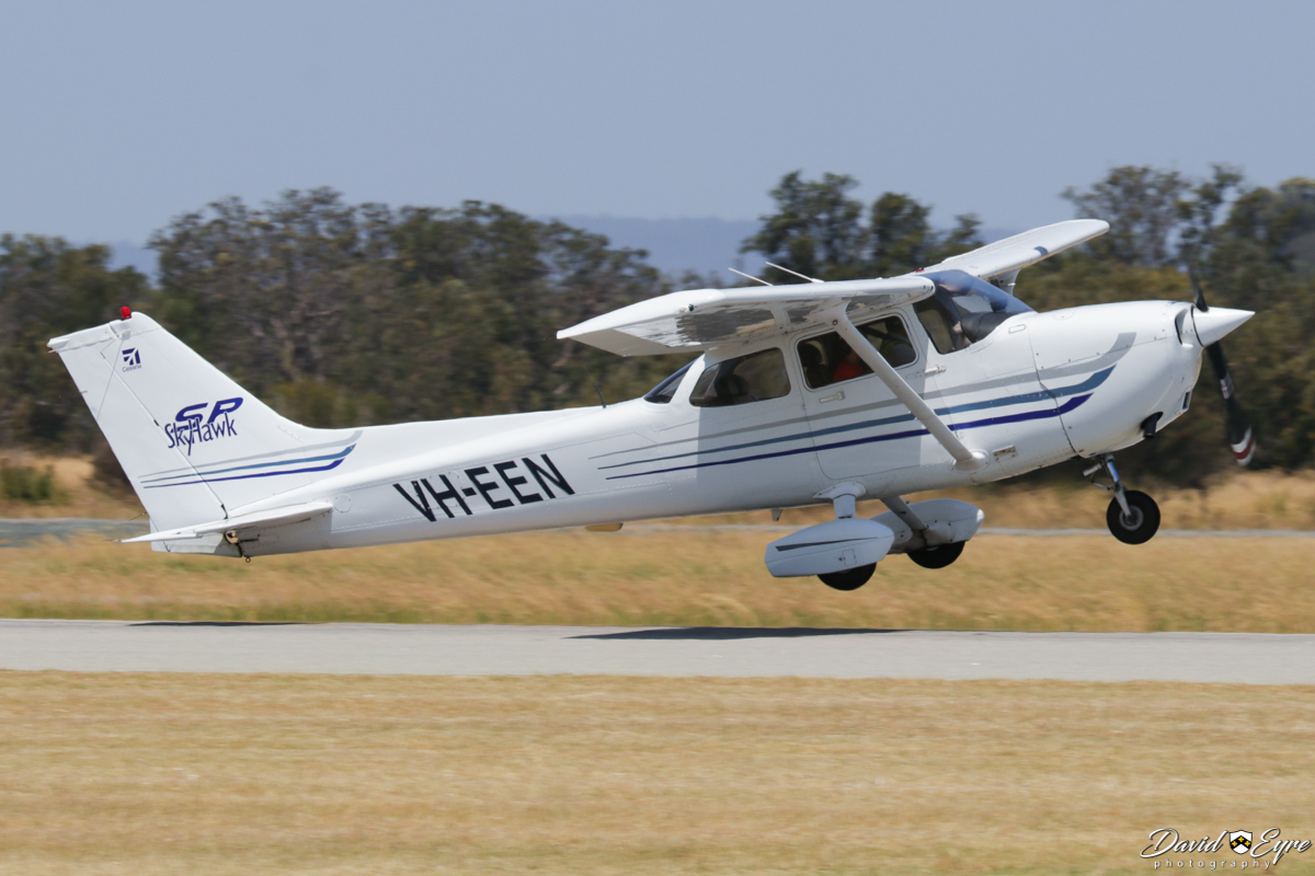 VH-EEN Cessna 172S Skyhawk SP (MSN 172S9411) owned by the Royal Aero Club of Western Australia Inc, at Jandakot Airport - 12 November 2017. Photo © David Eyre Taking off from runway 24R. Built in 2003, ex N411FA.