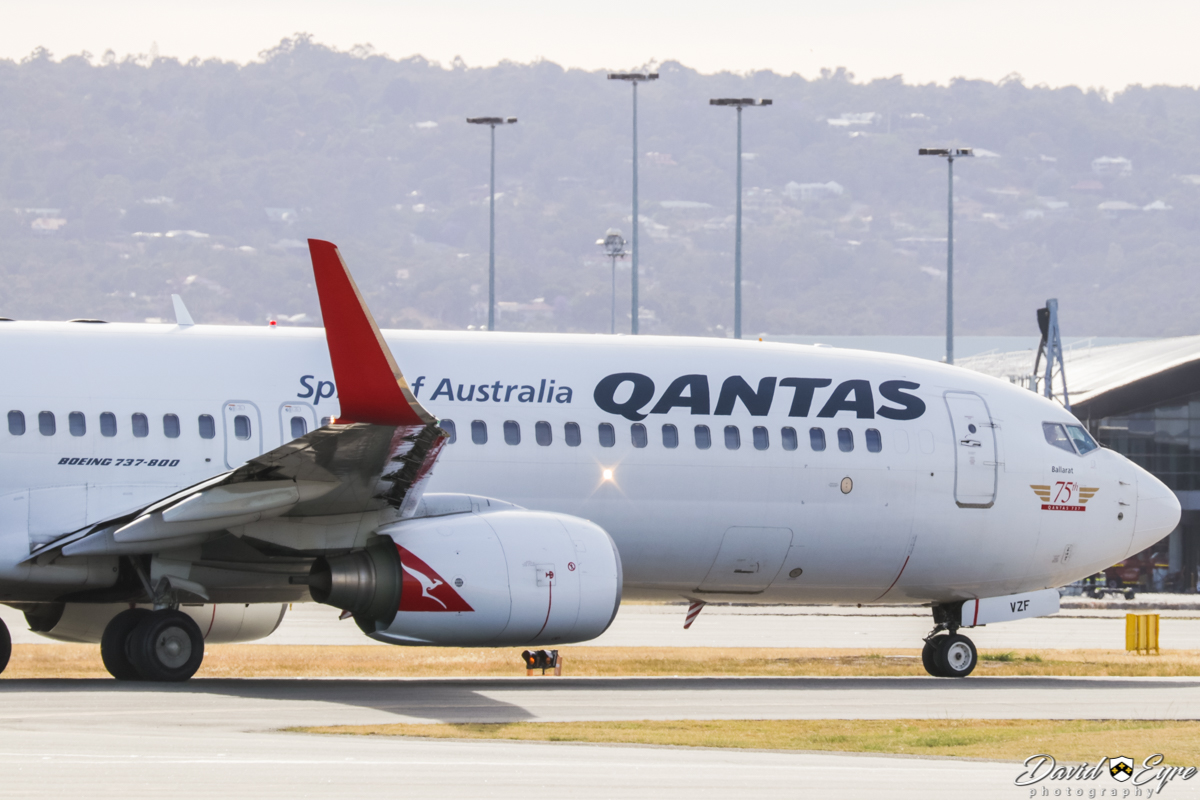VH-VZF Boeing 737-838 (MSN 34200/2989) of Qantas, named 'Ballarat', with '75th Qantas 737' decal on the nose, at Perth Airport – 24 Nov 2017. Photo © David Eyre QF576 to Sydney, taxying out to runway 03 at 7:19am. Previously ZK-ZQA 'Jean Batten' with Qantas Jetconnect in New Zealand.